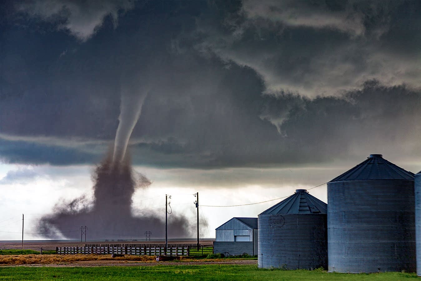 tornado-in-colorado